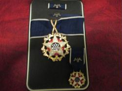 US Presidential Medal of Freedom Award medal in case with mini, rb, lapel pin